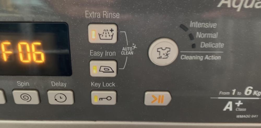 Hotpoint F06, randomly draining too - UK Washing Machine Repair